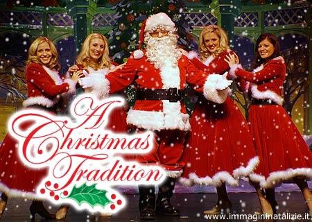 Babbo Natale e signorine natalizie